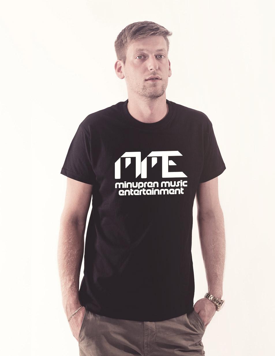 MME Shirt weiß auf schwarz
