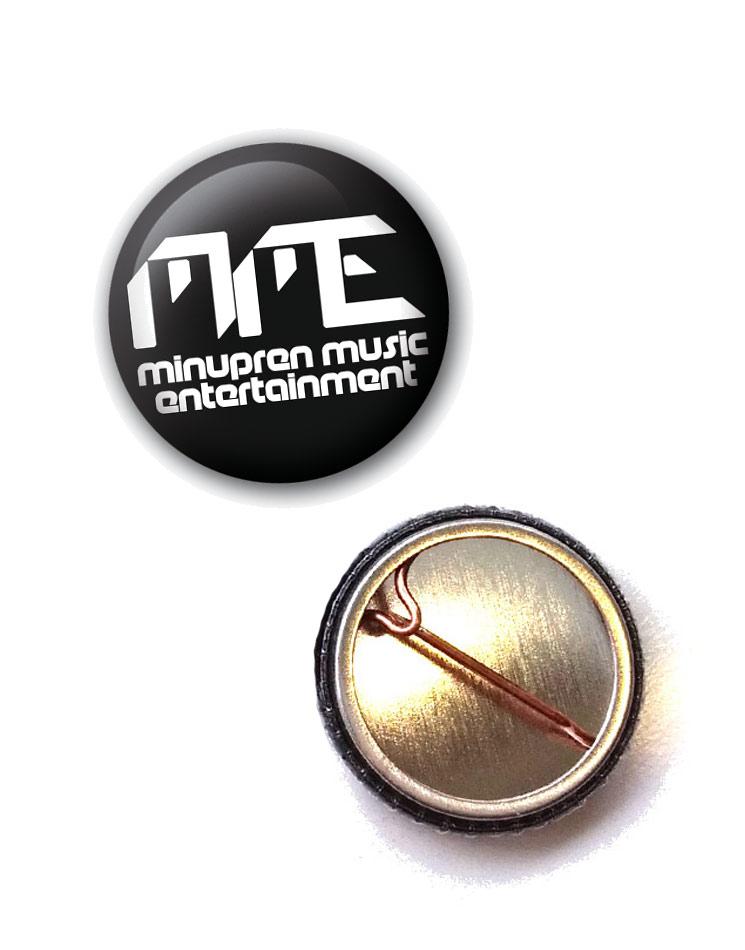 MME Button weiß auf schwarz