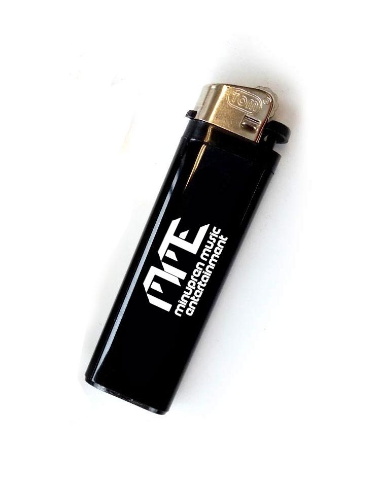 Feuerzeug MME weiß auf schwarz