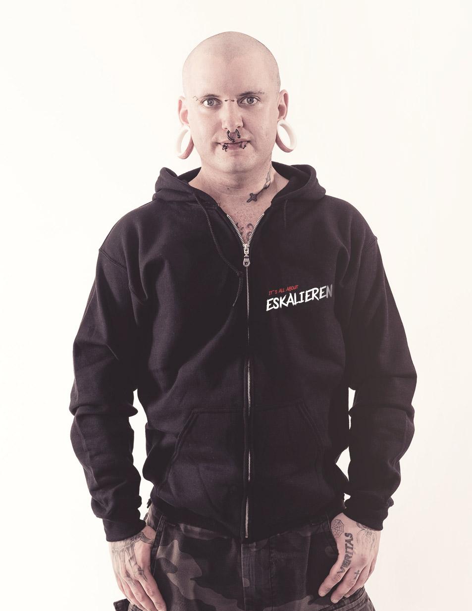 Eskalieren Kappu-Jacke schwarz
