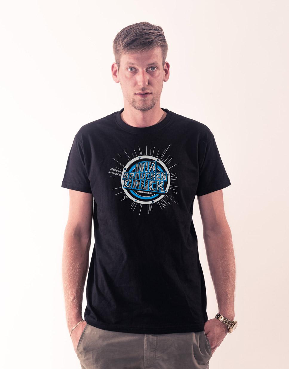 Wir brauchen Druck T-Shirt mehrfarbig auf schwarz