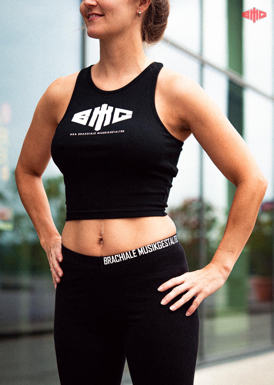 BMG Ladies Cropped Rib Top weiß auf schwarz