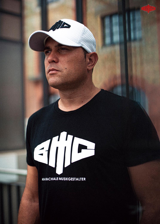 BMG Triblend T-Shirt weiß auf schwarz